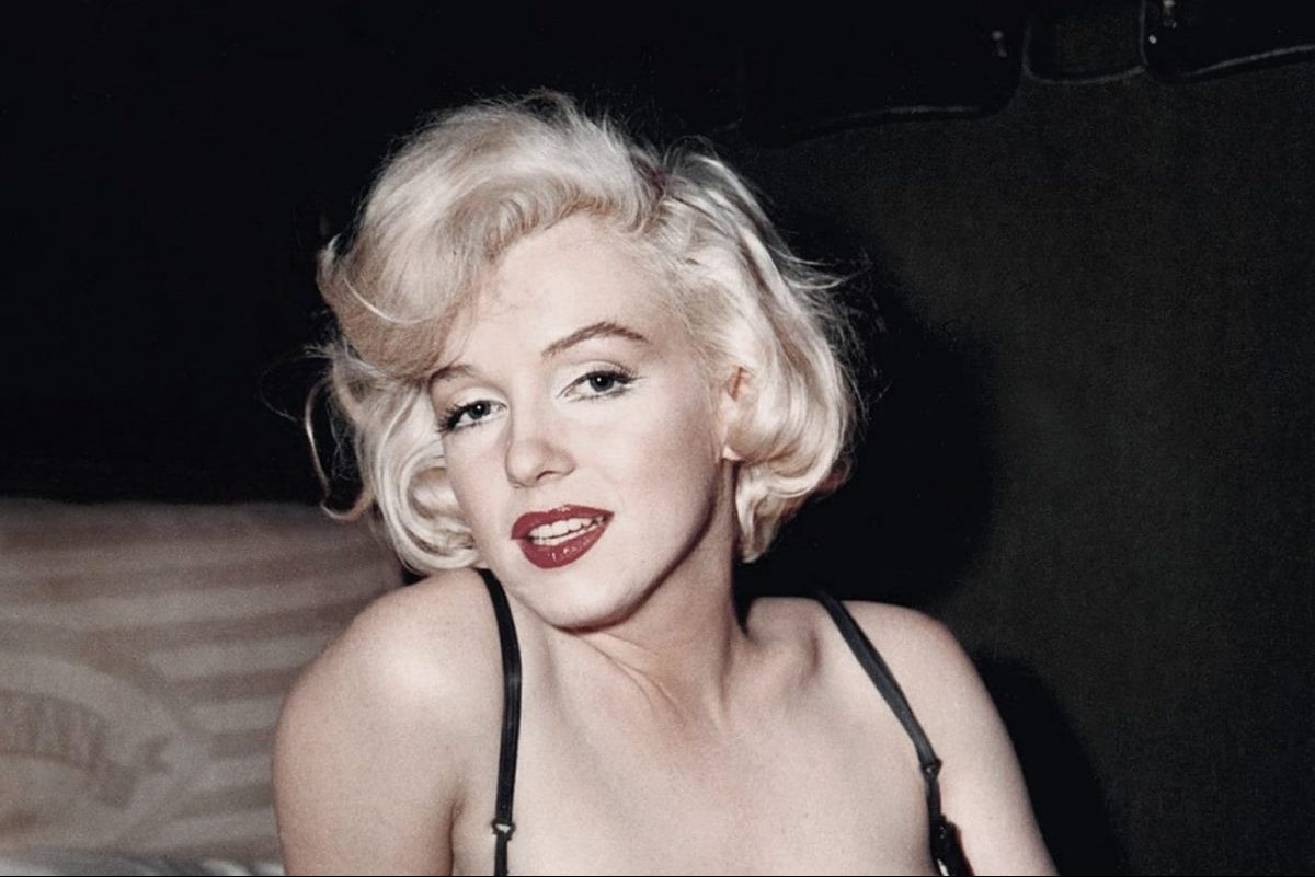 6 Classic Fashion Icons with Everlasting Beauty